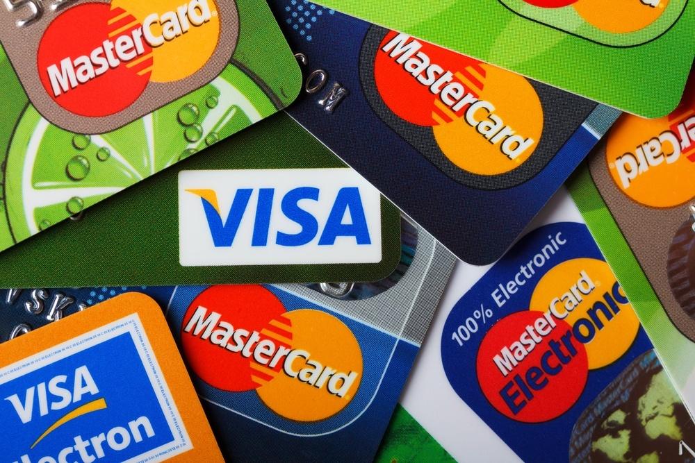 В электричке можно будет расплатиться банковской картой